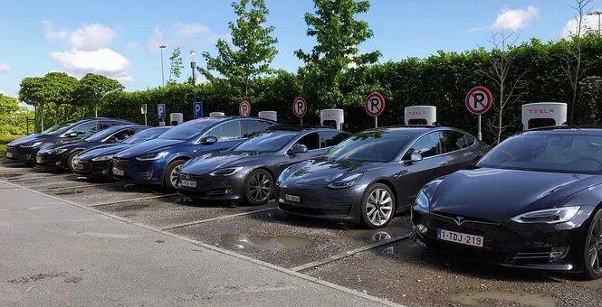 El vehiculo eléctrico y las instalaciones fotovoltaicas residenciales