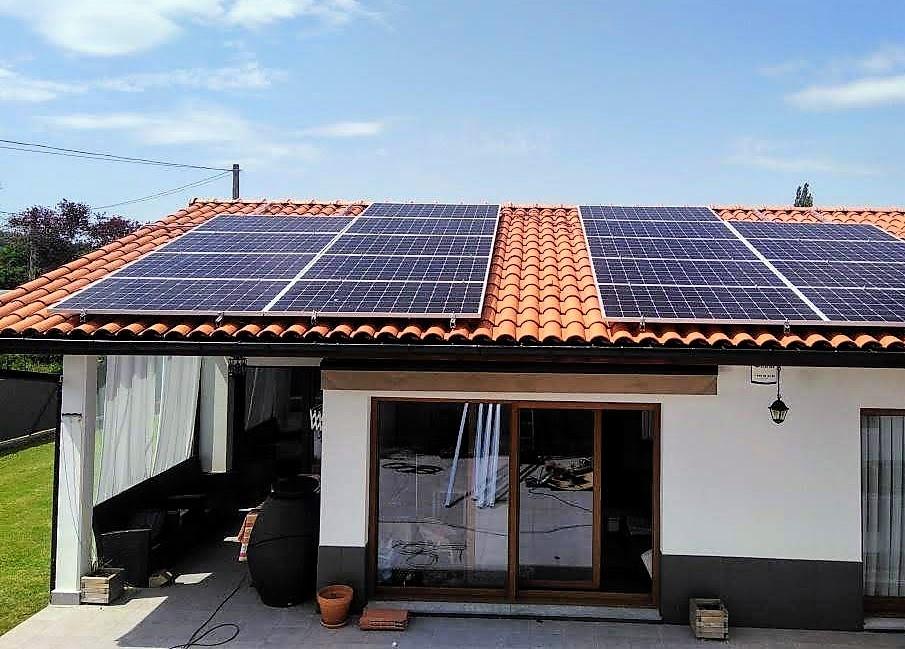 Apuesta por el autoconsumo; Aerotermia y Placas solares, la combinación perfecta