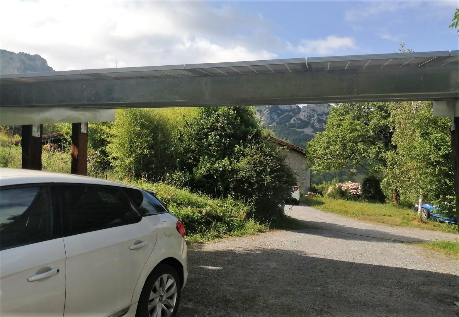 Pérgola Fotovoltaica de Autoconsumo en el Caserío Larra. Mañaria